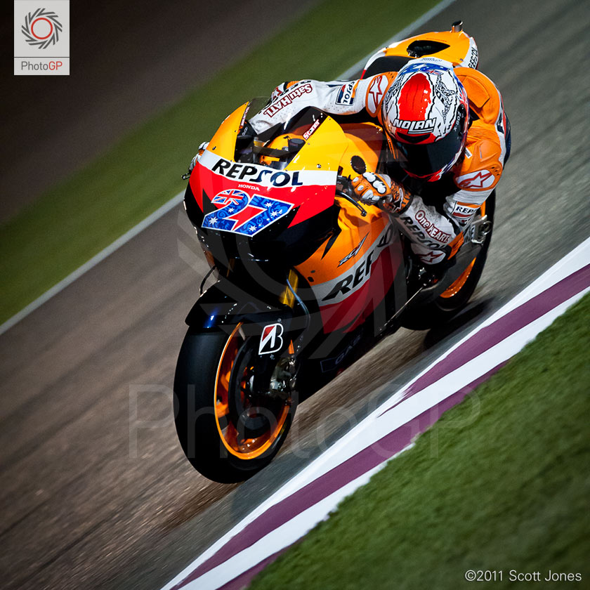 Casey-Stoner-Not-Crashing-L