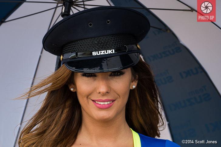 Suzuki umbrella girl Valencia 2014