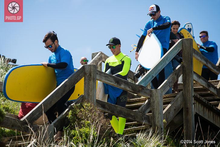 Ricky Cardus Pol Espargaro surfing Stefan Bradl