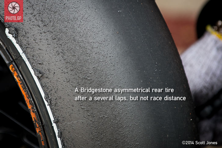 Bridgestone-asymmetric-rear-slick-tire-valencia-2014-S