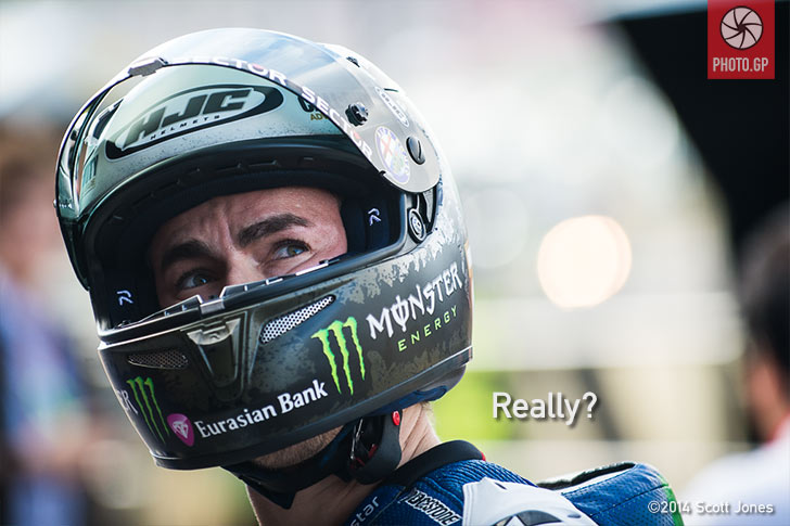 Jorge Lorenzo pit lane Valencia 2014 Yamaha