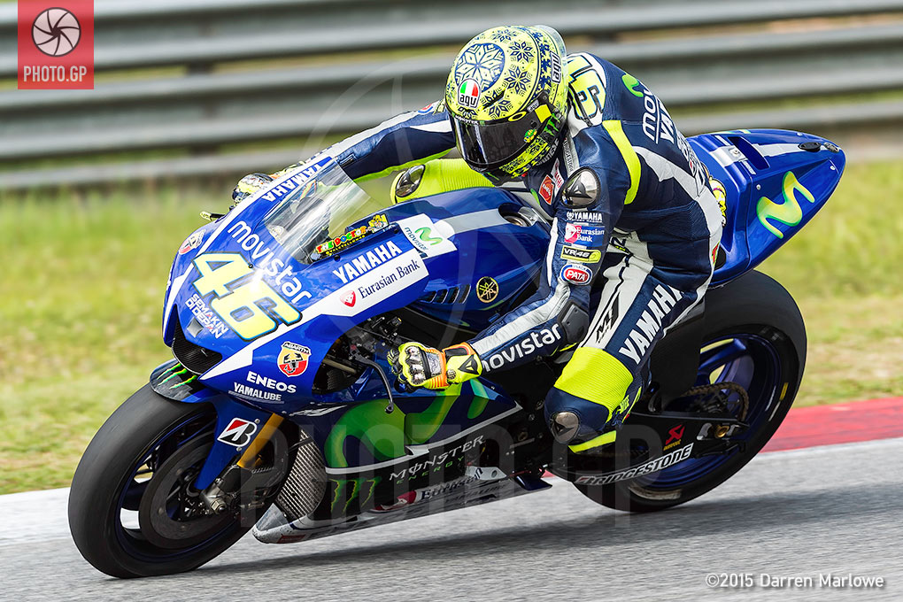 Dainese Elbow Sliders with Valentino Rossi - Photo.GP