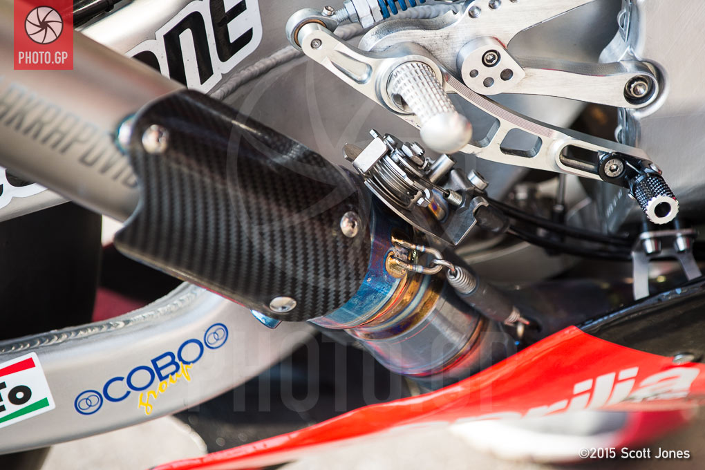 Aprilia MotoGP Bike Exhaust Gate - Photo.GP