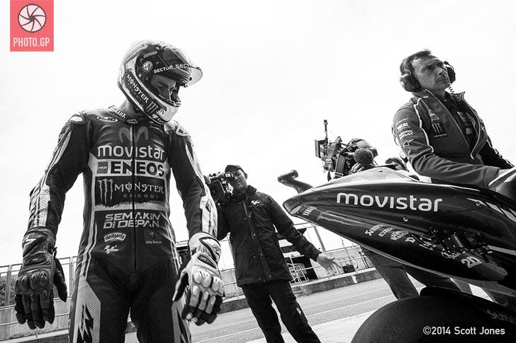 Jorge Lorenzo pit lane Silverstone 2014