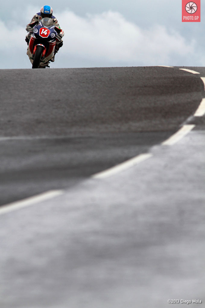 Diego Mola North West 200 2013 Simon Andrews