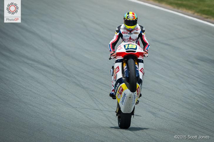 Sachsenring 2015 Moto2 Xavier Simeon wheelie