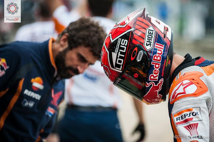 Marc Marquez Santi Hernandez Silverstone pit lane 2015