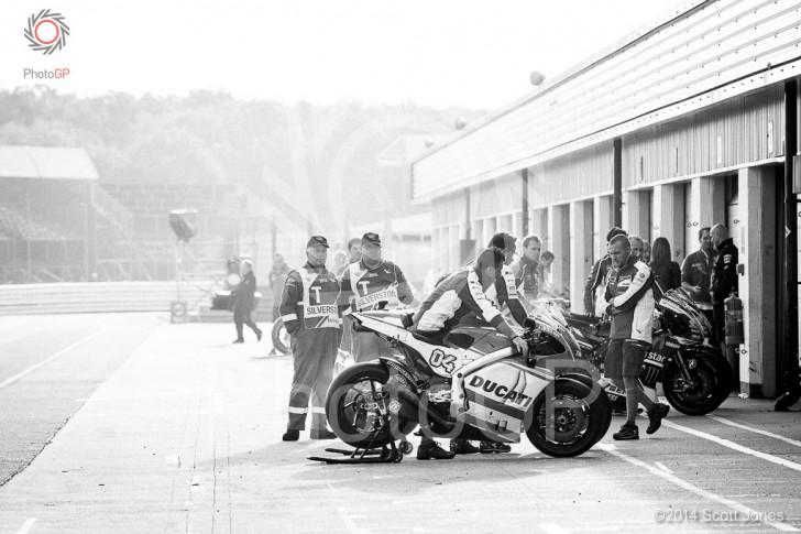 Ducati-Silverstone-Pit-Lane-2014
