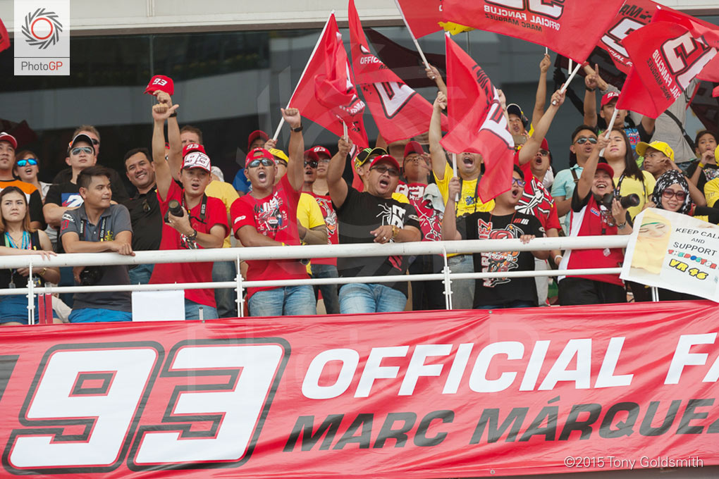 Marc-Marquez-fans-Sepang-2015-Tony-Goldsmith