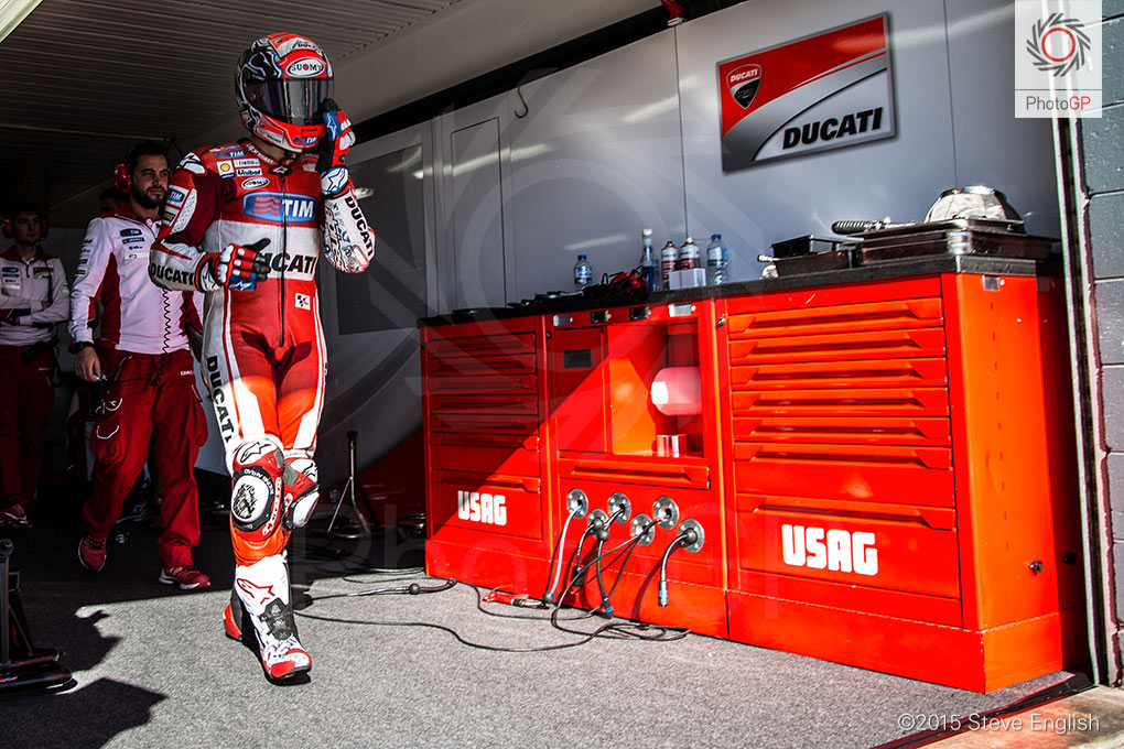 Andrea-Dovizioso-box-Phillip-Island-Steve-English