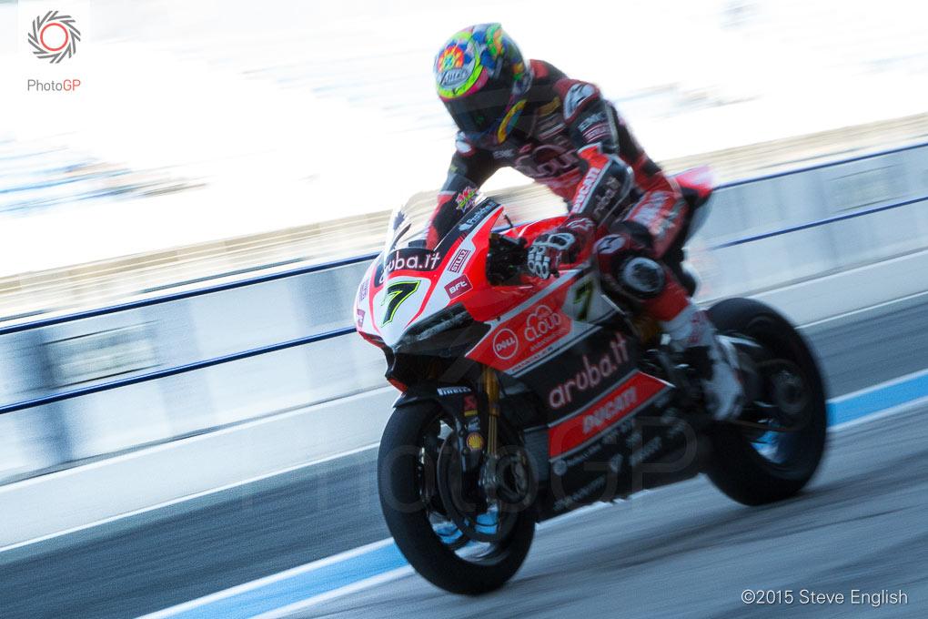 Chaz-Davies-Ducati-pit-lane-Jerez-Steve-English
