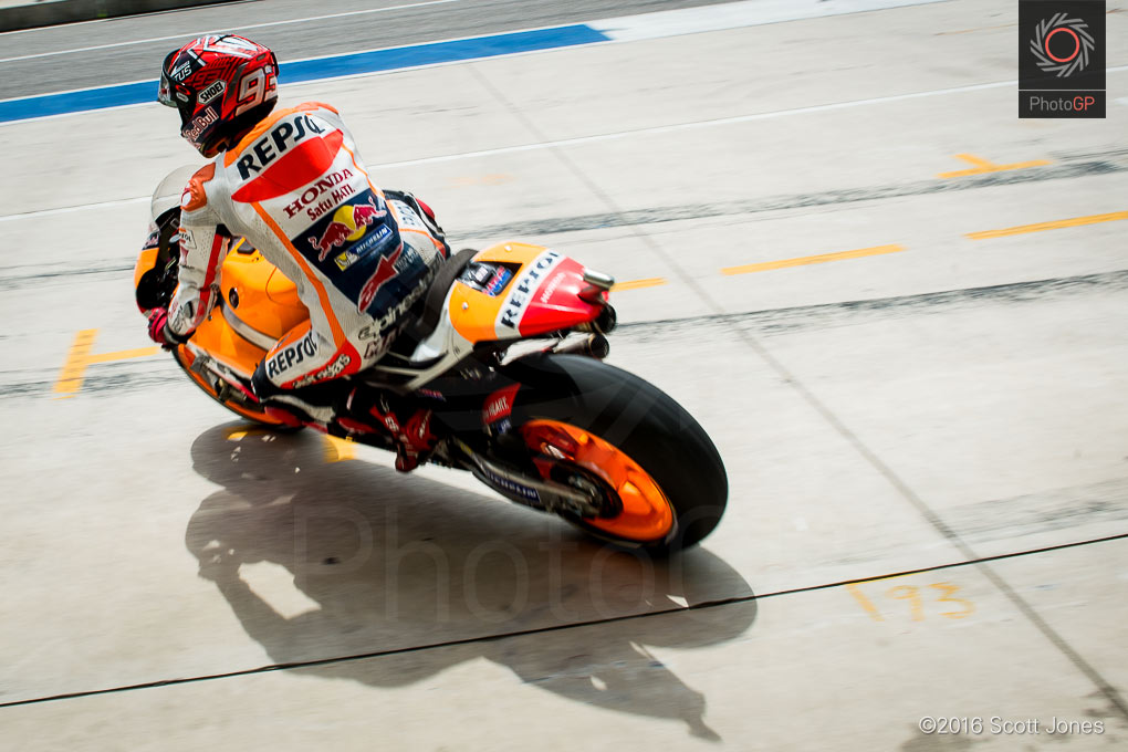 Marc-Marquez-CotA-MotoGP-2016-Friday-pit-lane