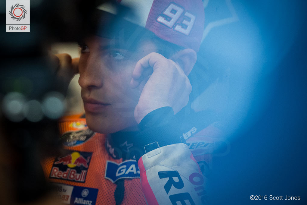Marc-Marquez-pit-box-CotA-MotoGP-2016-Friday