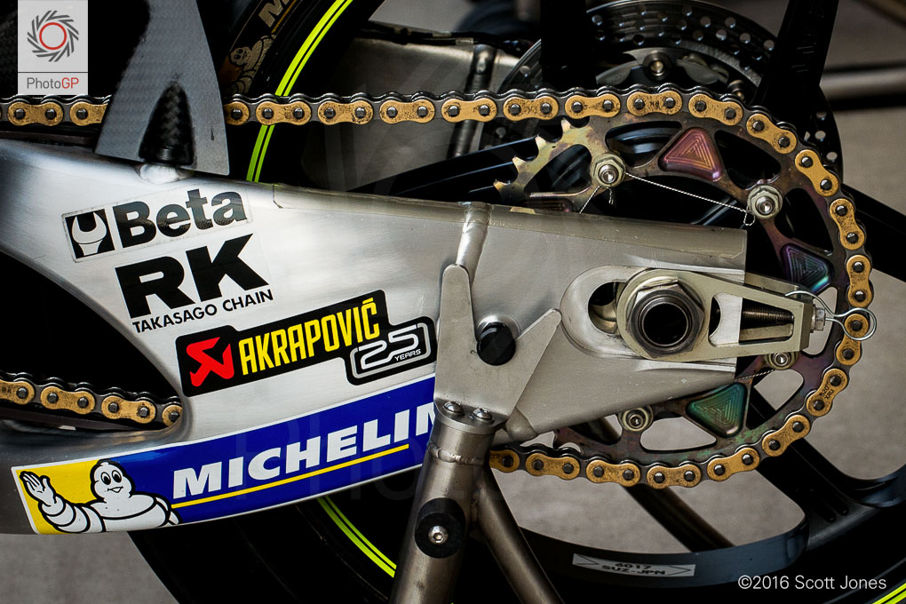 Suzuki-rear-sprocket-CotA-MotoGP-2016-Friday
