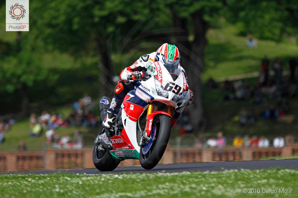 World-Superbike-Imola-Saturday-Diego-Mola-10
