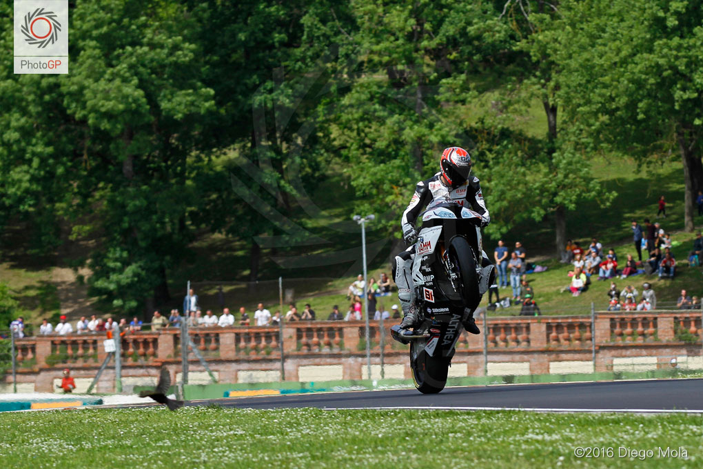 World-Superbike-Imola-Saturday-Diego-Mola-8