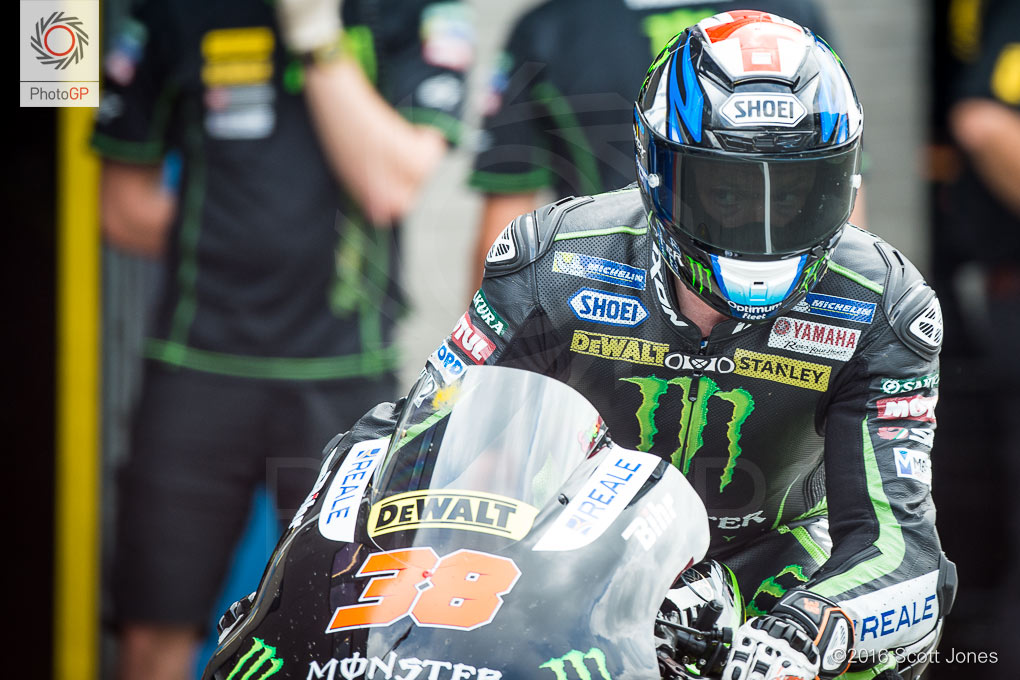 Bradley-Smith-Assen-2016-pit-lane