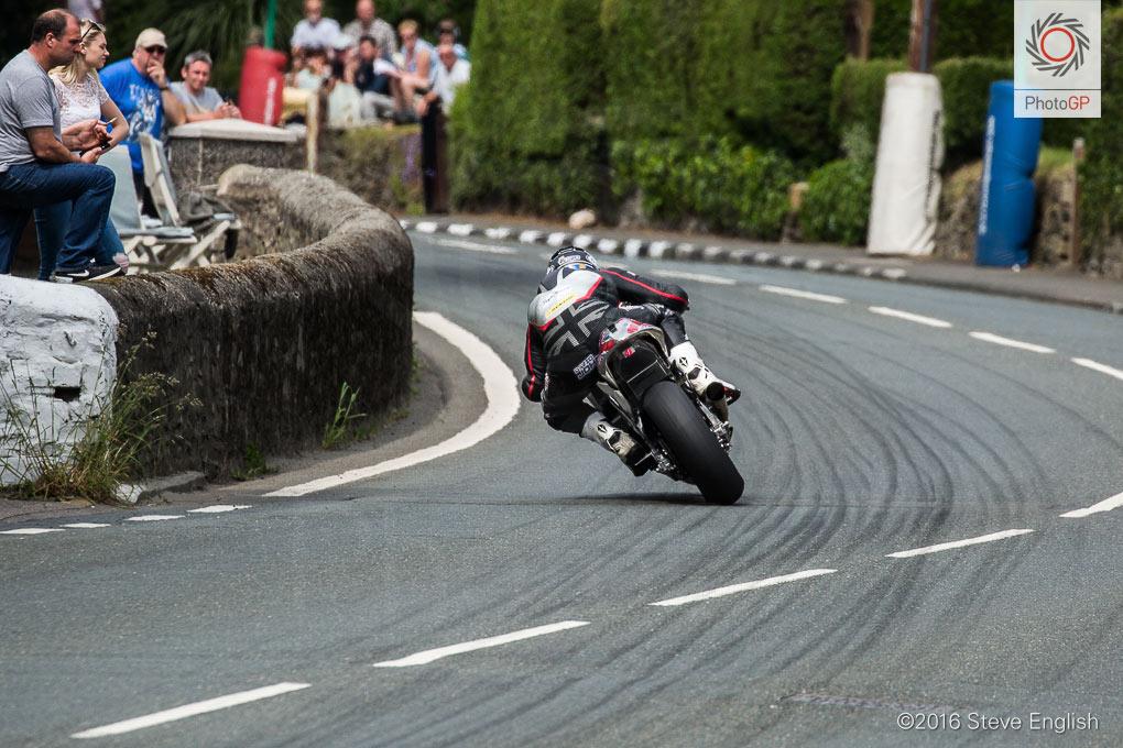 IoMTT-2016-Superbike-race-1-David-Johnson-2