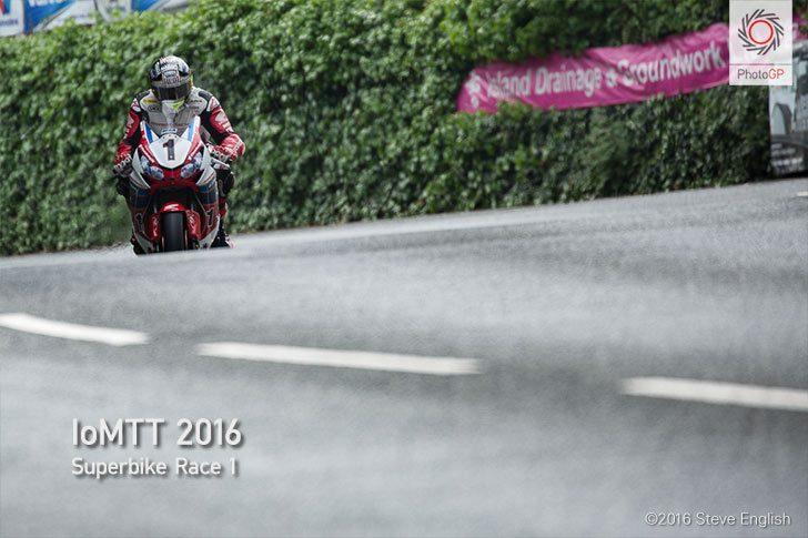 IoMTT-2016-Superbike-race-1-John-McGuinness-S