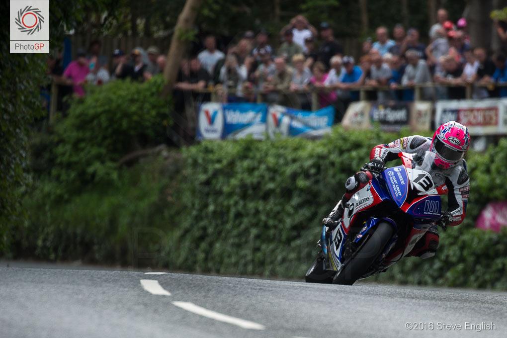 IoMTT-2016-Superbike-race-1-Lee-Johnston