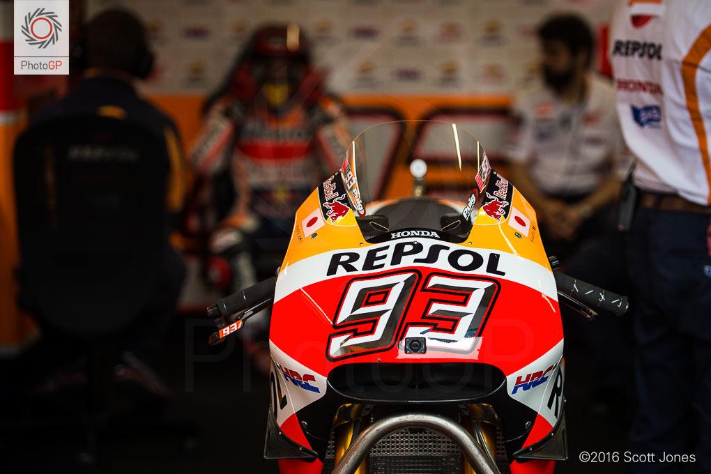Marc-marquez-Honda-Assen-2016-pit-lane