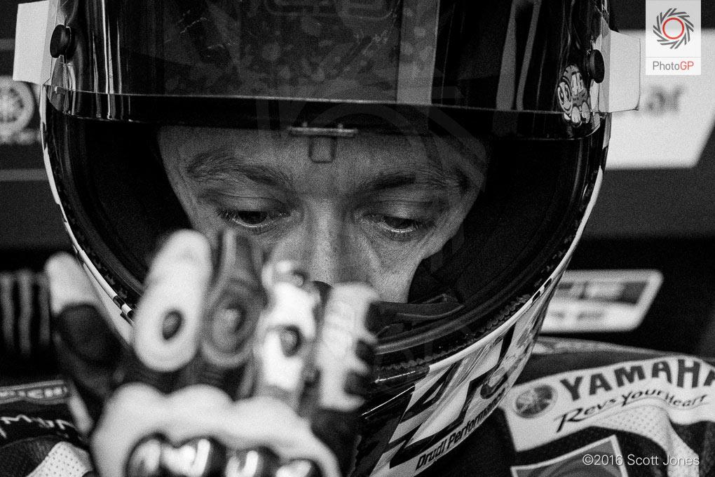 Valentino-Rossi-box-2016-Assen