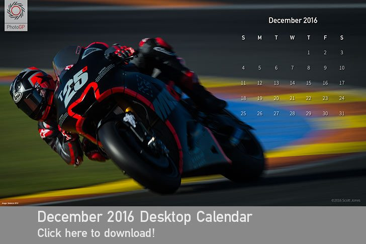 December 2016 Desktop Calendar